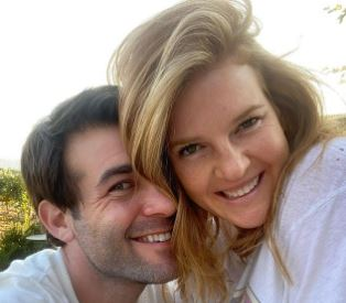 Read more about the article Elizabeth Jae Byrd Bio, James Wolk Wife, Age, Net Worth